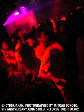 10&11 OCT 02 KING STREET CLUB YELLOW